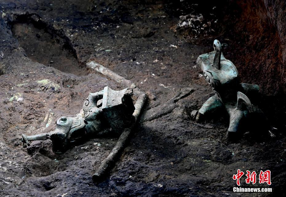 三星堆新祭祀区已提取文物超五千件 含迄今为止最大青铜神坛